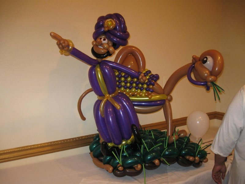 Wiseman-Balloon-Animal2