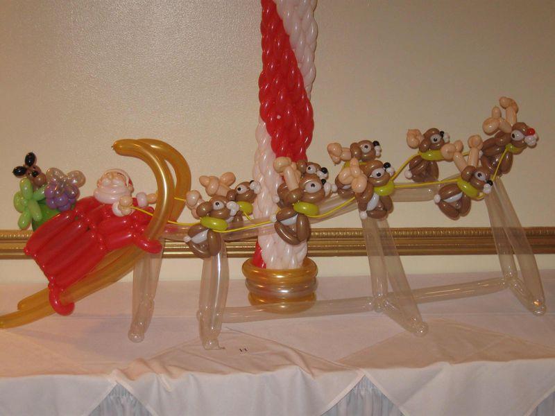Santa-and-Team-2-Balloon-Animal